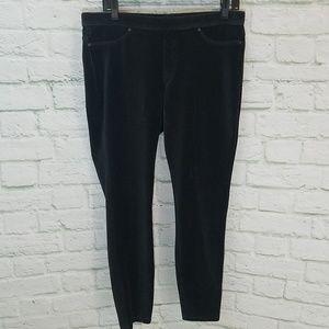 HUE® Black Corduroy Leggings